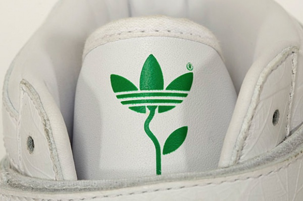 adidas csr How nike embraced csr and went from villain to hero by andrea newell on friday, jun 19th, 2015 share click to share on twitter (opens in new window.