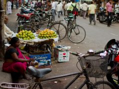 Hawkers in Mumbai on Footpaths