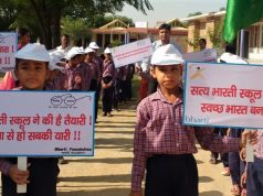 Students participating in cleanliness pledge