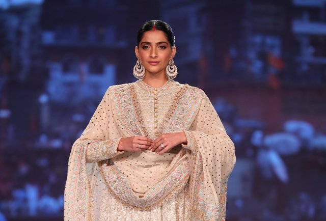 Sonam Kapoor Ahuja In Collection Inheritance An Ode To The Textiles And Embroideries Of India By Designer Duo Abu Jani Sandeep Khosla 2 The Csr Journal