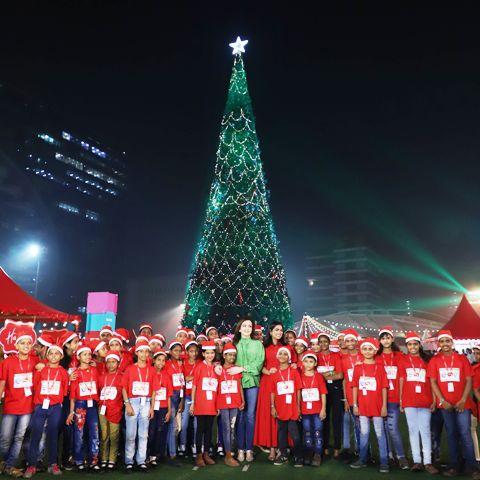 दुनिया का सबसे बड़ा क्रिसमस ट्री
