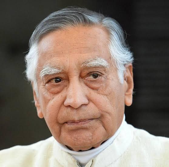 Dr. Sudarshan Kapoor