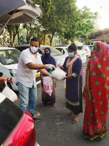 Varenyum team distributing ration