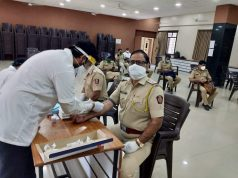 Photo-Axis Bank organises screening of frontline workers in Baramati and Pune