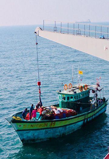 Indian Navy stranded fishermen