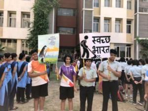 Students of Global Indian International School promoting 'Swachh Bharat'